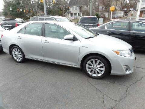 2013 Toyota Camry Hybrid for sale at CAR CORNER RETAIL SALES in Manchester CT