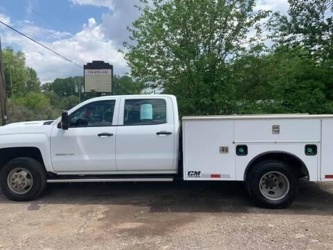 2019 Chevrolet Silverado 3500HD CC for sale at Apex Auto Sales LLC in Petersburg MI