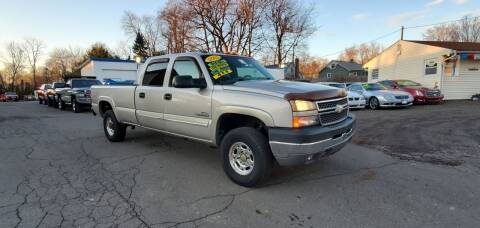 2005 Chevrolet Silverado 2500HD for sale at Russo's Auto Exchange LLC in Enfield CT