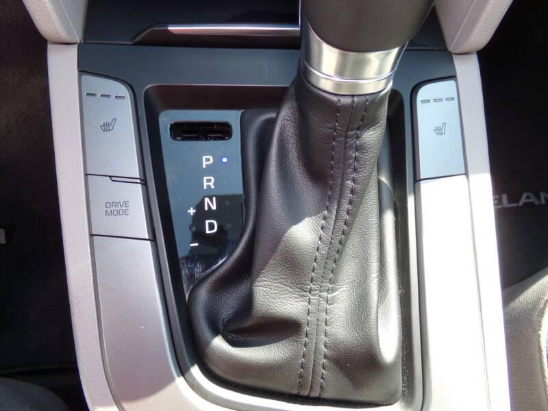 2017 Hyundai Elantra Eco 4dr Sedan - Oconomowoc WI