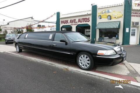 2005 Lincoln Town Car for sale at PARK AVENUE AUTOS in Collingswood NJ