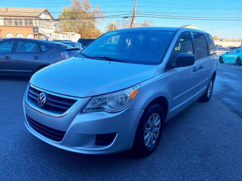 2009 Volkswagen Routan for sale at Dijie Auto Sale and Service Co. in Johnston RI