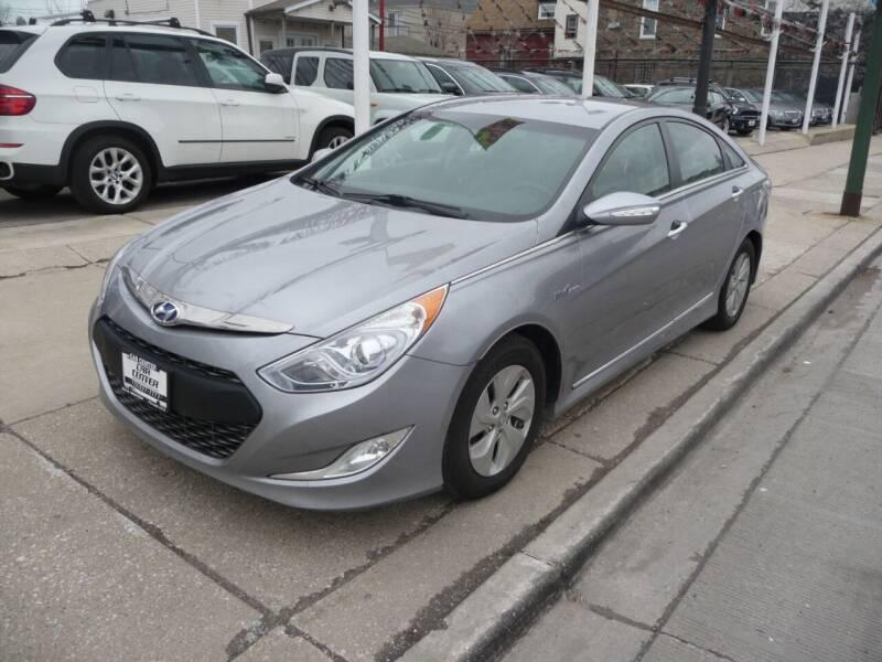 2015 Hyundai Sonata Hybrid for sale at CAR CENTER INC in Chicago IL