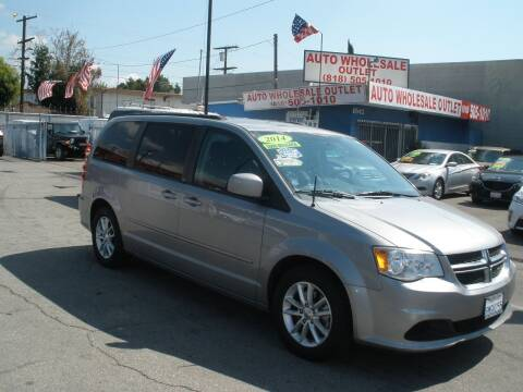 2014 Dodge Grand Caravan for sale at AUTO WHOLESALE OUTLET in North Hollywood CA