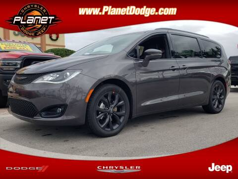 2020 Chrysler Pacifica for sale at PLANET DODGE CHRYSLER JEEP in Miami FL