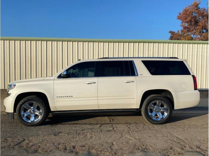 2015 Chevrolet Suburban for sale at Dealers Choice Inc in Farmersville CA