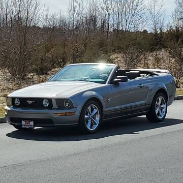 2009 Ford Mustang for sale at R & R AUTO SALES in Poughkeepsie NY
