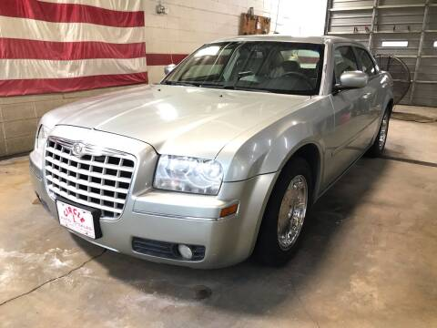 2006 Chrysler 300 for sale at Circle L Auto Sales Inc in Stuttgart AR