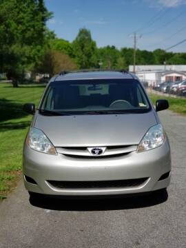 2006 Toyota Sienna for sale at Speed Auto Mall in Greensboro NC