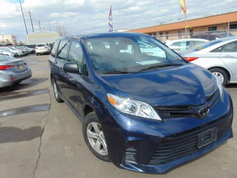 2018 Toyota Sienna for sale at Avalanche Auto Sales in Denver CO