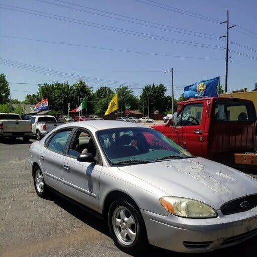 2007 Ford Taurus for sale at Used Car City in Tulsa OK