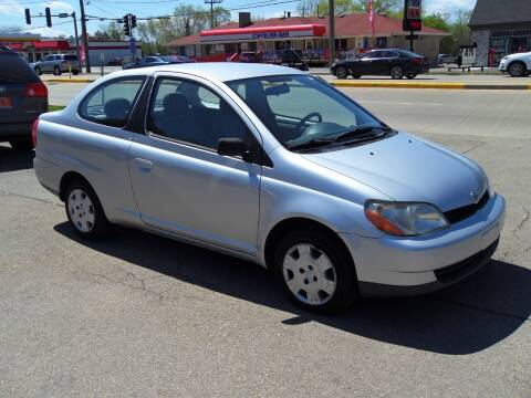 2001 Toyota ECHO for sale at GLOBAL AUTOMOTIVE in Gages Lake IL
