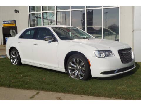 2020 Chrysler 300 for sale at BLACKBURN MOTOR CO in Vicksburg MS