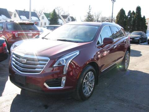 2017 Cadillac XT5 for sale at CLASSIC MOTOR CARS in West Allis WI