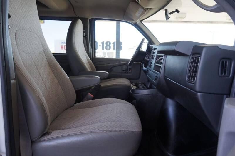 2013 Chevrolet Express Passenger LS 2500 3dr Passenger Van - Tulsa OK