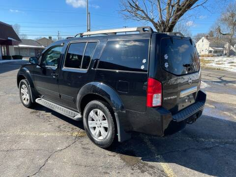 2005 Nissan Pathfinder for sale at Via Roma Auto Sales in Columbus OH
