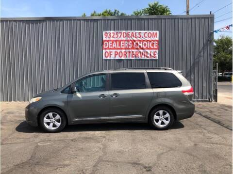 2011 Toyota Sienna for sale at Dealers Choice Inc in Farmersville CA