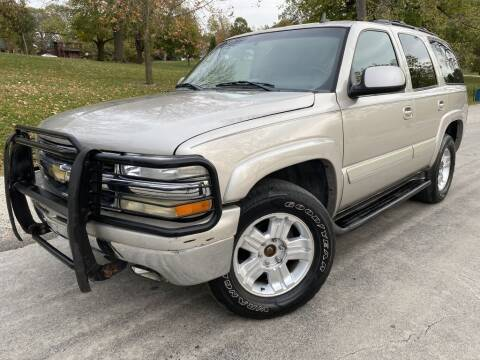 2006 Chevrolet Tahoe for sale at Bloomington Auto Sales in Bloomington IL