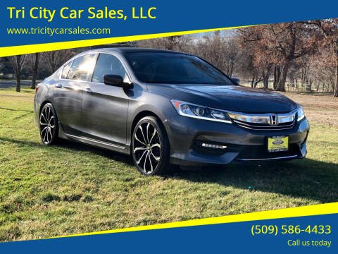 2017 Honda Accord for sale at Tri City Car Sales, LLC in Kennewick WA