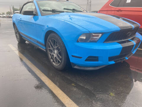 2012 Ford Mustang for sale at BELOW BOOK AUTO SALES in Idaho Falls ID