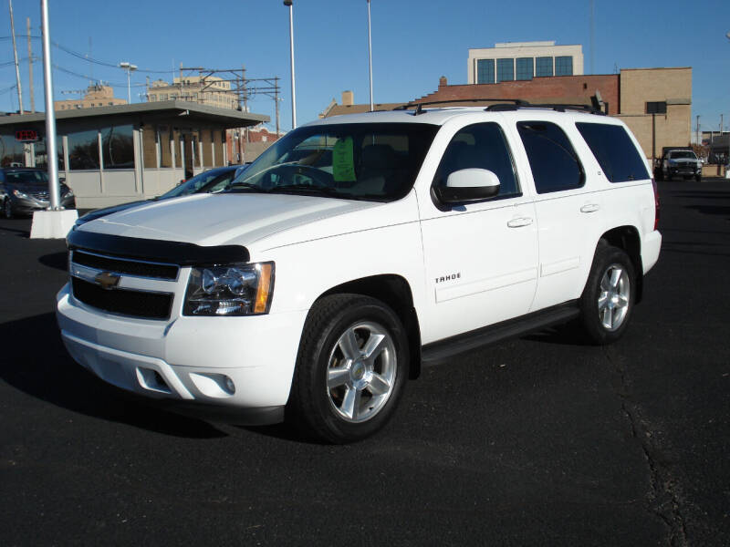 2012 Chevrolet Tahoe for sale at Shelton Motor Company in Hutchinson KS