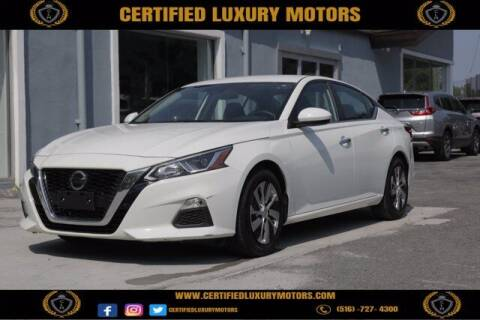 2019 Nissan Altima for sale at Certified Luxury Motors in Great Neck NY