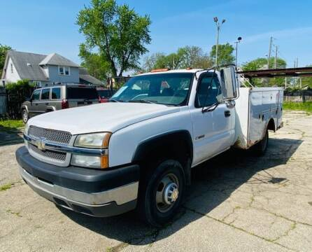 2004 Chevrolet Silverado 3500 for sale at Connect Truck and Van Center in Indianapolis IN
