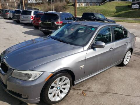 2011 BMW 3 Series for sale at North Knox Auto LLC in Knoxville TN
