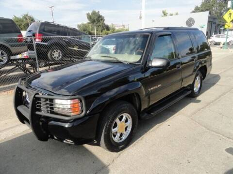 2000 Cadillac Escalade for sale at Gridley Auto Wholesale in Gridley CA