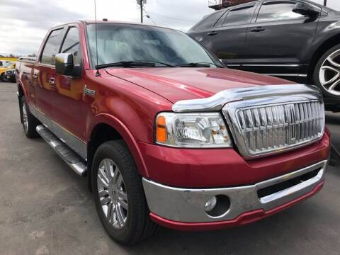2008 Lincoln Mark LT for sale at New Wave Auto Brokers & Sales in Denver CO