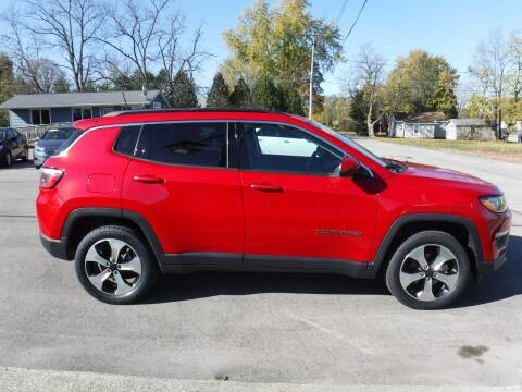 2017 Jeep Compass for sale at Dave's Car Corner in Hartford City IN