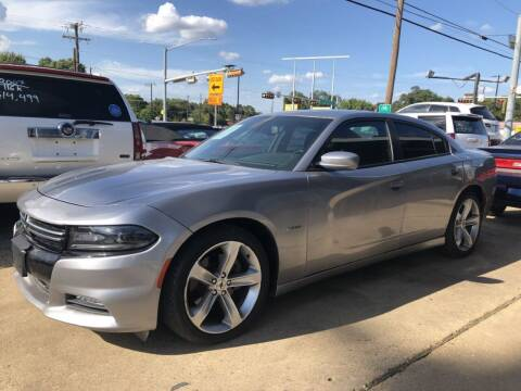 2017 Dodge Charger for sale at Pary's Auto Sales in Garland TX