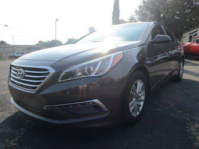 2015 Hyundai Sonata for sale at Lewis Page Auto Brokers in Gainesville GA