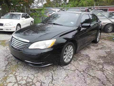 2013 Chrysler 200 for sale at SCOTT HARRISON MOTOR CO in Houston TX