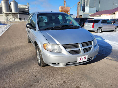 2006 Dodge Grand Caravan for sale at J & S Auto Sales in Thompson ND