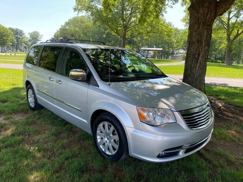 2012 Chrysler Town and Country for sale in Lititz, PA