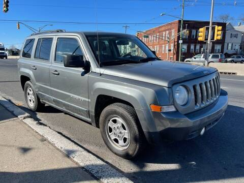 2013 Jeep Patriot for sale at G1 AUTO SALES II in Elizabeth NJ