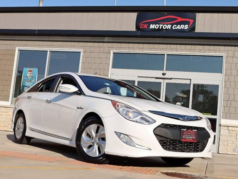 2013 Hyundai Sonata Hybrid for sale at CK MOTOR CARS in Elgin IL