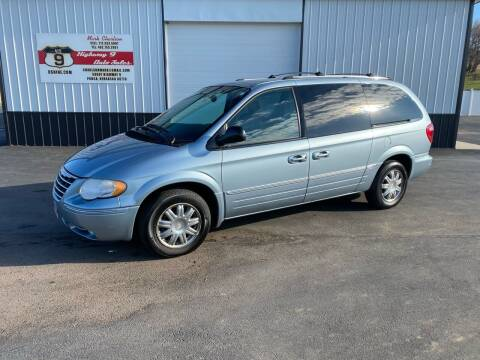 2005 Chrysler Town and Country for sale at Highway 9 Auto Sales - Visit us at usnine.com in Ponca NE
