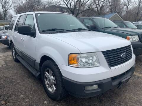 2005 Ford Expedition for sale at ALVAREZ AUTO SALES in Des Moines IA