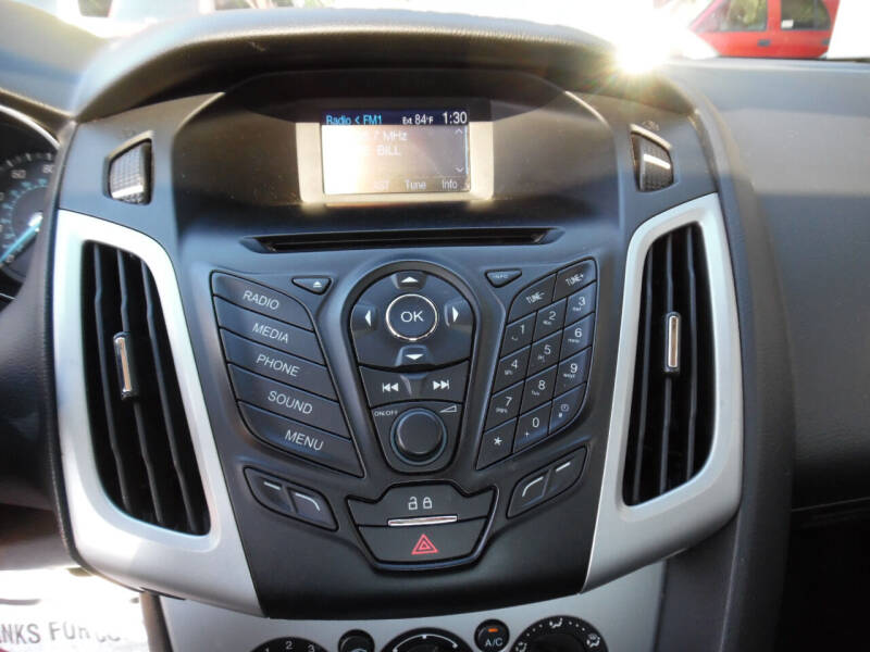2014 Ford Focus SE 4dr Sedan - Maiden NC