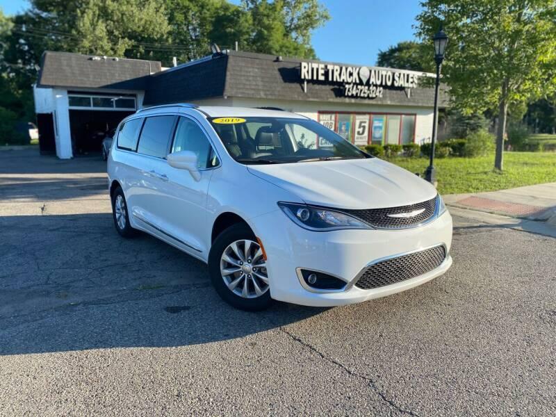 2019 Chrysler Pacifica for sale at Rite Track Auto Sales in Canton MI