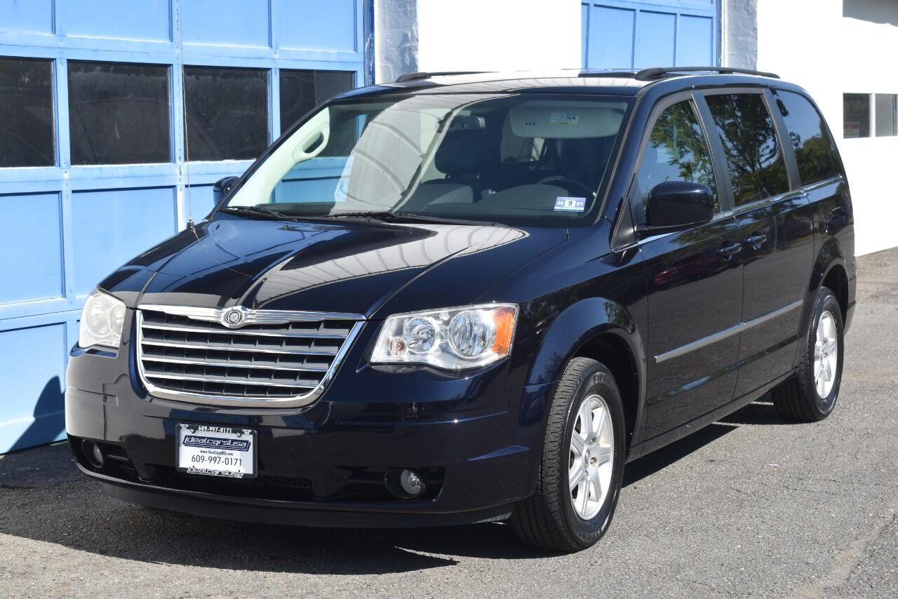 2010 Chrysler Town and Country Touring Plus 4dr Mini Van