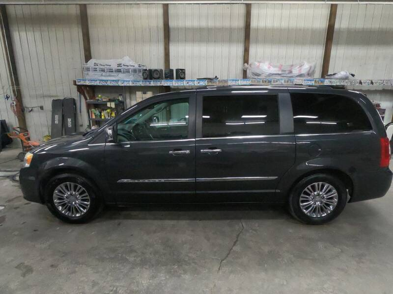 2011 Chrysler Town and Country for sale in Toronto, SD