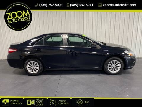 2017 Toyota Camry Hybrid for sale at ZoomAutoCredit.com in Elba NY