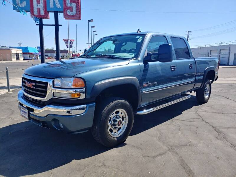 2006 GMC Sierra 2500HD for sale at Faggart Automotive Center in Porterville CA