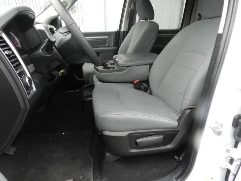 2020 RAM Ram Pickup 1500 Classic 4x4 SLT 4dr Crew Cab 6.3 ft. SB Pickup - Russellville OH
