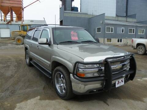 2001 Chevrolet Suburban for sale at J & S Auto Sales in Thompson ND