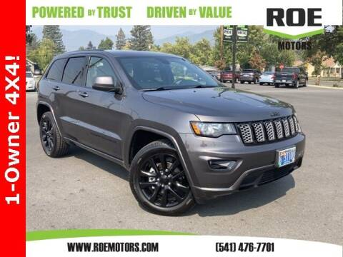 2017 Jeep Grand Cherokee for sale at Roe Motors in Grants Pass OR