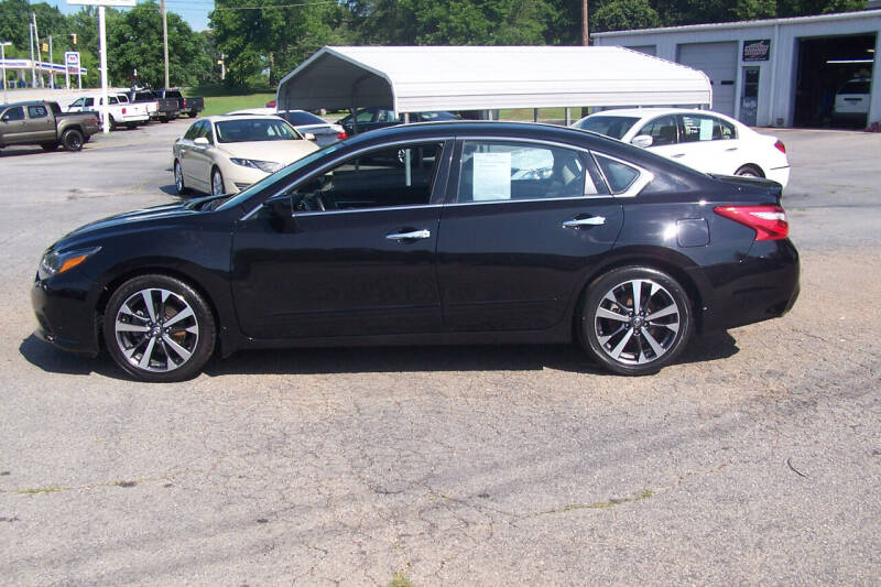 2016 Nissan Altima for sale at Blackwood's Auto Sales in Union SC